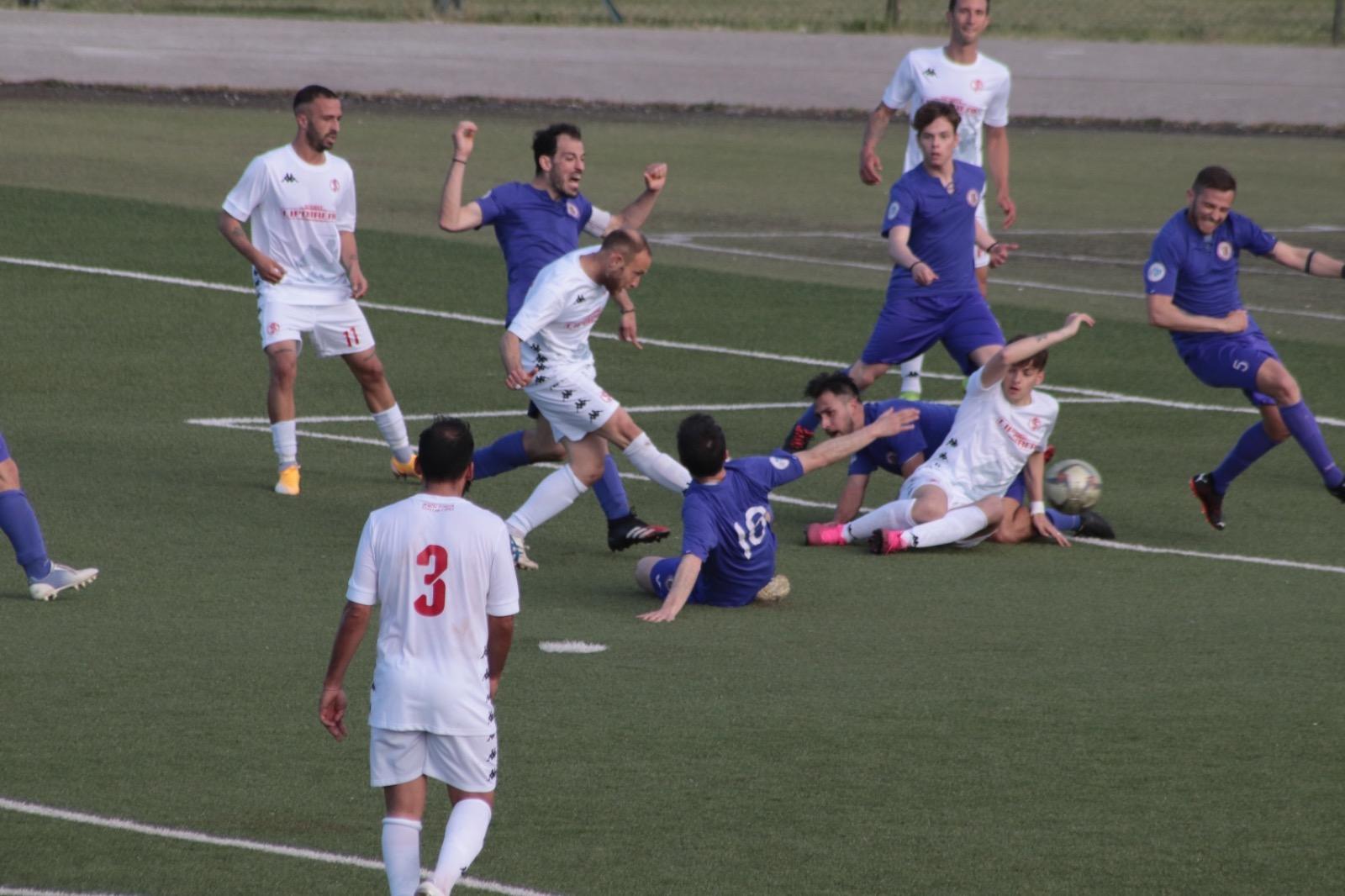 Montefano e Anconitana impattano sullo 0-0